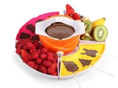 Fondue de Chocolate Tristar CF1604 / Bombonerie, 20w, carcasa de plastico, fun. fundido, mantenimiento del calor, incluye 4 tenedores, 2 moldes silicona para bombones, 2 moldes para paletas y 24 palillos.