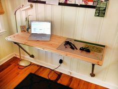 Industrial wall mounted DIY computer desk ideas. #diycomputerdeskideas - ziogiorgio.info
