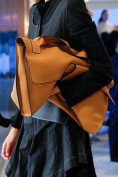 Loewe Spring/Summer 2017 Ready-To-Wear Details | British Vogue