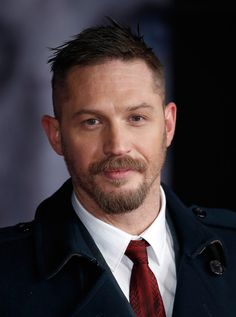 """Tom Hardy Photos Photos - Actor Tom Hardy attends the UK Premiere of """"The Revenant"""" at the Empire Leicester Square on January 14, 2016 in London, England. - 'The Revenant' - UK Premiere - Red Carpet Arrivals"""