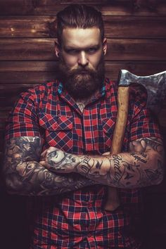 The Full Collection Of The Trendiest Halloween Costume Ideas For Men Lumberjack Seeking 2019 Halloween costume ideas for men to look hot and unique like in movies? Lumberjack Costume, Lumberjack Style, Cool Couple Halloween Costumes, Trendy Halloween, Bald Men With Beards, Bald With Beard, Lili Marleen, Mens Hairstyles With Beard, Creepy