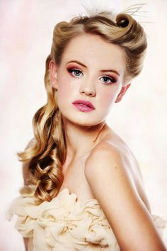 Vintage Hairstyles Ideas To Look Timeless Beauty