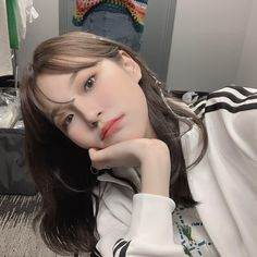 fromis_9 [프로미스나인] (@officialfromis_9) • Instagram photos and videos Girl Korea, Ulzzang Korean Girl, Aesthetic Images, Cute Korean, Korean Girl Groups, Girl Pictures, Asian Fashion, Kpop Girls, My Girl