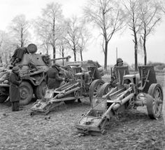 "British and American forces encircled the German 2nd Panzer Division in the ""Celles pocket"". Some 600 German soldiers managed to escape, leaving behind over 100 vehicles and losing 450 men. By the end of the month the 2nd Panzer Division was no longer combat effective"