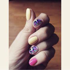 #nails #art #design #nailsart #nailsdesign #colors #bright #summer #flowers #pink #yellow