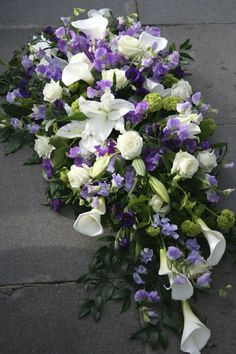 Kensington flowers provide and deliver funeral flowers and memorial flowers in Central London, including Kensington, Chelsea and Westminster. Flower Wreath Funeral, Dad Funeral Flowers, Grave Flowers, Diy Flower Arrangements For Funeral, Ranunculus Flowers, Anemones, Pink Peonies, Funeral Planner, Funeral Photography