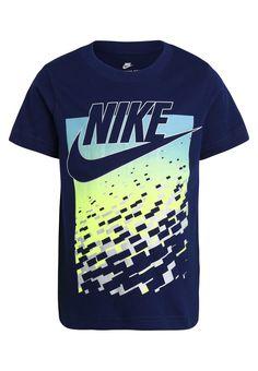 1100387914 Haz clic para ver los detalles. Envíos gratis a toda España. Nike  Performance FUTURA GRADIENT Camiseta print binary blue  Nike Performance  FUTURA ...