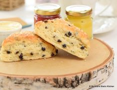 Serve these melt-in-the-mouth Currant and Orange Scones with clotted cream, English double cream, and your favorite fruit jam or lemon curd. Coconut Peanut Butter, Toasted Coconut, Salted Butter, Bistro Kitchen, Bistro Food, Food N, Good Food, Orange Scones, Tea Biscuits