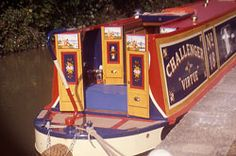 Canal History - The Aylesbury Arm Castle Painting, Boat Painting, Canal Boat Art, Narrowboat Interiors, Retro Trailers, Narrow Boat, Best Interior, Walks, Castles