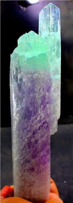493 Gram Top Quality V Shape Twin Bi Color Natural KUNZITE Crystal @ Afghanistan