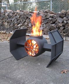 Fire Pit Design Idea For More Attractive – Best Outdoor Fire. The party doesn't have to end when the sun goes down. Discover fire pit ideas to make your outdoor space warm. Metal Projects, Welding Projects, Diy Projects, Welding Ideas, Project Ideas, Furniture Projects, Garden Furniture, Welding Crafts, Car Furniture