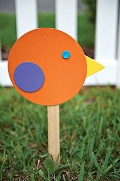 Fun, easy crafts and activities for kids of all ages using everyday items like beads, paint, bubbles