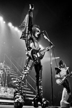 KISS in Philadelphia in the Funk Bands, Kiss Members, Kiss Pictures, Kiss Images, Vinnie Vincent, Eric Carr, Peter Criss, Vintage Kiss, Love Gun
