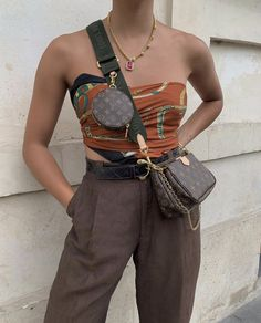 Don't Just Attend a Party—Be the Party With These 6 Accessories - Fashion accessories - Look Fashion, Fashion Outfits, Womens Fashion, Fashion Trends, Fashion Bags, Fall Fashion, Looks Style, My Style, Pochette Louis Vuitton