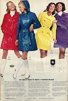 Raincoats For Women April Showers Refferal: 1209587758 Raincoat Outfit, Green Raincoat, Pvc Raincoat, Raincoat Jacket, Hooded Raincoat, Edwardian Fashion, 70s Fashion, Vintage Fashion, Trench Coats