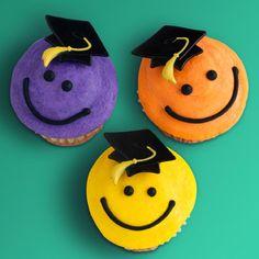 cute graduation cupcakes