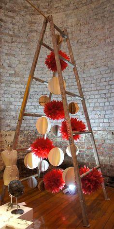22 Contemporary Christmas tree ideas for you Ladder Christmas Tree, Unusual Christmas Trees, Christmas Window Display, Alternative Christmas Tree, Christmas Tree Design, Noel Christmas, Xmas Tree, Christmas Tree Decorations, Christmas Tables