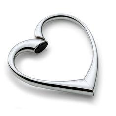 Μια καρδιά για κάθε τσάντα! Λεπτό, σφυρήλατο και όμορφο σε σχήμα καρδιάς, έτοιμο για να κρεμάσετε την τσάντα σας.