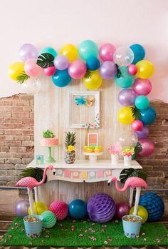 Veja como é fácil fazer a decoração com balões para ambientes e festas — São 85 ideias e passo a passo prático para você fazer em casa.