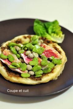 Tartes aux rougets, pesto d'olives et fèves fraîches