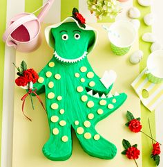 For the Wiggles lovers ~ Dorothy the Dinosaur cake (wish I had this when my last boy was a wee one..he LOVED The Wiggles)