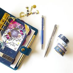 I'm seeing stars! My new Galaxy Collection washi from @simplygilded matches my favorite planner setup . Pens are Standing Ovation Alaska and Paparazzi . Shop link in bio. . #pengems #nouglypens #washilove #onmydesk #plannergoodies #blue