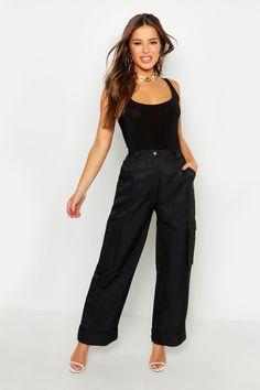 Womens Petite Wide Leg Turn Up Cargo Pants - black - 0 Pop Fashion, Fashion Beauty, Boohoo Petite, Petite Pants, Turn Up, Black Trousers, Work Wardrobe, Cargo Pants, Fit Women