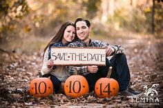 Fall Engagement Photo &  Save The Date Ideas / http://www.himisspuff.com/fall-save-the-date-engagement-photo-ideas/4/