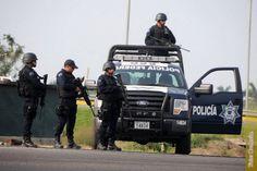 El secretario de Gobierno de Michoacán, Adrián López Solís, informó que se ha restablecido el orden y la tranquilidad en la región; fuerzas federales y estatales de seguridad mantienen el ...