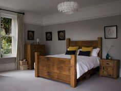 Wooden And White Bedroom Pallet Decorating Ideas 013