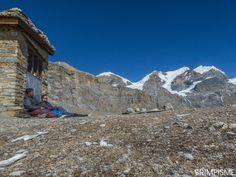 Bain de soleil avec JM Gurung 4900m #annapurnatrek #nepal #grimpisme