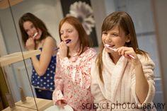 teens brushing teeth - Google zoeken