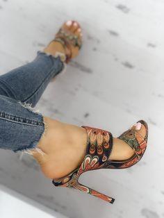 4ee98993c6e Leaf Print Bandage Thin Heeled Sandals