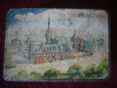 ANCIENNE BOITE EN TOLE LITHOGRAPHIEE DE LA BENEDICTINE DE FECAMP ART NOUVEAU