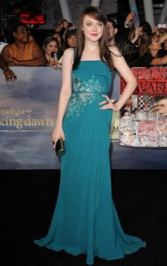 Dakota Fanning Clothes awesome color for her