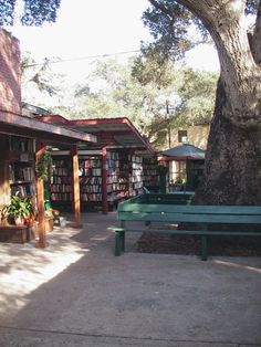 "Barts Books in Ojai, California ""world's greatest outdoor bookstore"""