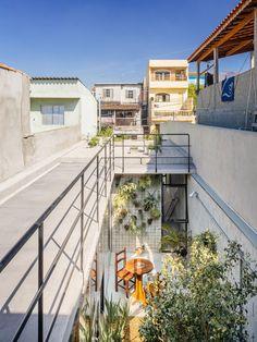 Casa de Vila Matilde - A casa tem 95 m2, que se estruturam em lajes pré-moldadas e blocos de concreto aparentes. © Pedro Kok