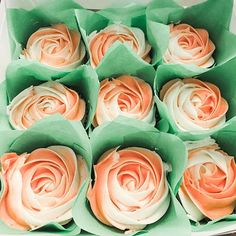 Perfect for a center piece or a sweet gift! Cupcake Boxes, Cupcake Party, Cupcake Cookies, Party Cakes, Valentines Cakes And Cupcakes, Valentine Cake, Instagram Settings, Rose Cupcake, Small Cake