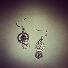 Steampunk gears flatwire earrings. #HEPTEAM