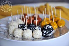 Serowe koreczki - kulki serowe w posypce jako przekąska na imprezę Impreza, Caramel Apples, Feta, Snacks, Baking, Party, Desserts, Tailgate Desserts, Appetizers