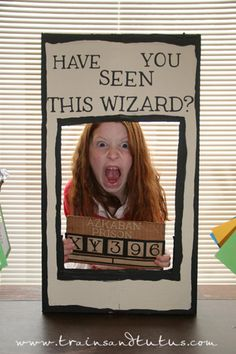 Ways To Throw The Ultimate Harry Potter Birthday Party Let your kiddos do their best Sirius Black impression in this photo booth.Let your kiddos do their best Sirius Black impression in this photo booth. Harry Potter Motto Party, Harry Potter Fiesta, Harry Potter Thema, Deco Harry Potter, Cumpleaños Harry Potter, Harry Potter Halloween Party, Harry Potter Classroom, Harry Potter Christmas, Harry Potter Themed Party