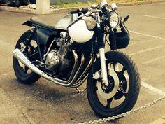 GS750/850 DIY CAFE RACER Suzuki Cafe Racer, Cafe Racers, Bike Stuff, Classic, Motorcycles, Diy, Vintage, Ideas, Runners
