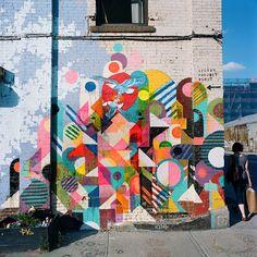 Comment mettre un peu de gaieté et de couleurs dans nos rues si tristounettes l'hiver ? Avec une grande fresque murale de Maya ...