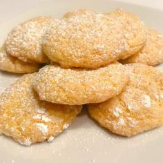 I've been making cool whip cookies for a while now. It's a fun way to turn cake mix into cookies. Sounds silly, doesn't it? Trust me, they are good! Weight Watchers Cake, Weight Watcher Cookies, Weight Watchers Desserts, Ww Desserts, Sugar Free Desserts, Cookie Desserts, Dessert Recipes, Sugar Free Cake Mix Recipe, Sugar Free Cookies