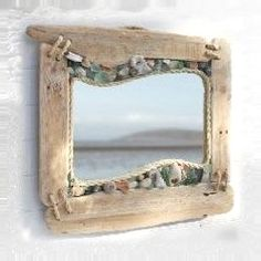 5 Coastal Mirrors to get your Creative Juices Flowing - Beach Bliss Living - driftwood, rope , shells mirror. Beach decor You are in the right place about diy home decor Here w - Sea Glass Crafts, Sea Glass Art, Seashell Crafts, Beach Crafts, Glass Beach, Sea Glass Decor, Stained Glass, Glass Vase, Coastal Mirrors