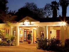 Polokwane Place Guest Houses, Mansions, House Styles, Places, Home Decor, Mansion Houses, Homemade Home Decor, Guest Bedrooms, Manor Houses