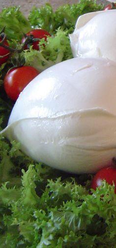 Mozzarella di bufala. #Wonderfooditaly #FrancescoBruno