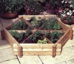 Norlog Small Herb Wheel, Wooden Planter | Internet Gardener