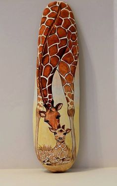 Painted stone, sasso dipinto a mano. Giraffe and baby Giraffa Rock Painting Patterns, Rock Painting Designs, Paint Designs, Pebble Painting, Pebble Art, Stone Painting, Painting Art, Painting Stencils, Giraffe Painting