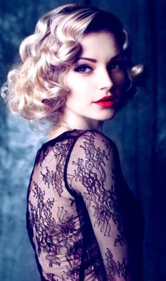 Gorgeous - tight curled hair and bold lip